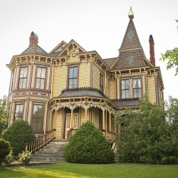 Mansion on Main Bed and Breakfast